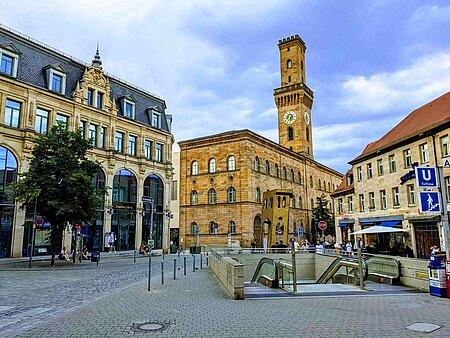 Blick vom Kohlenmarkt auf das Rathaus Fürth