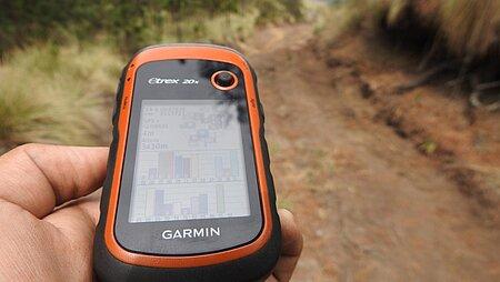 Zuverlässige Hilfsmittel zur Navigation beim Wandern