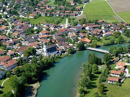 Luftbild von Truchtlaching in der Region Chiemsee