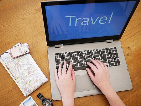 Laptop Urlaubsplanung